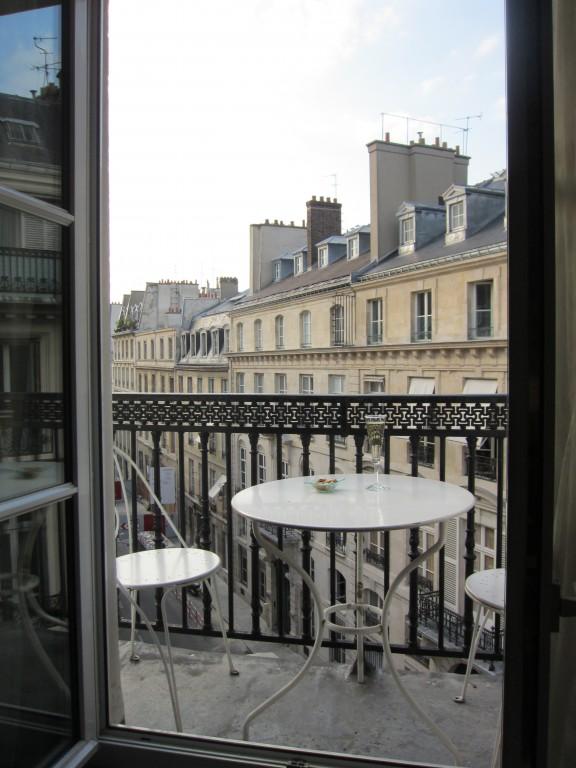 Style Moment | Paris balcony