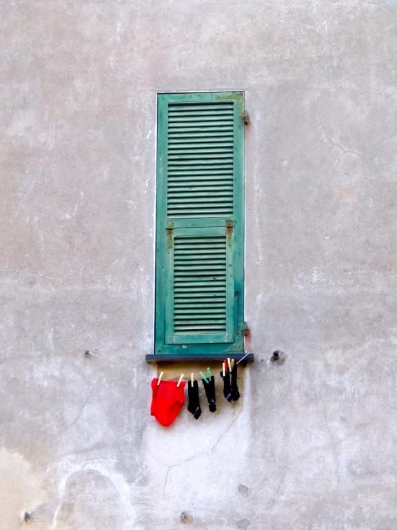 Style Moment | Green shutter, Chiavari