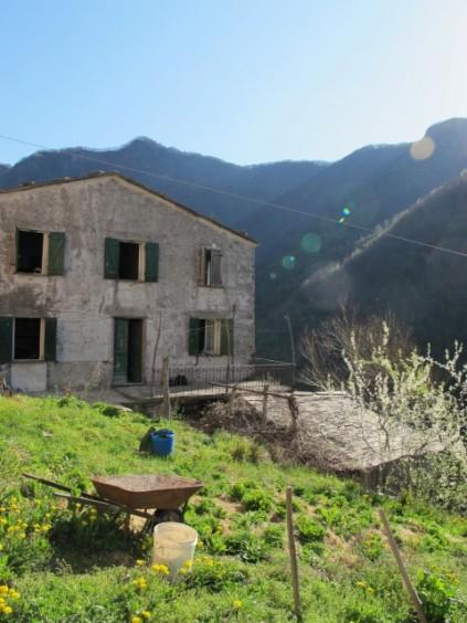 House in Favale di Malvaro_Italy
