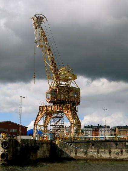 giraffe crane_stockholm_sweden