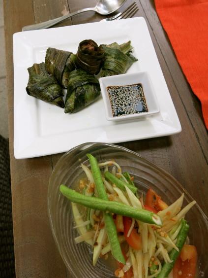 papaya salad, chicken_baipai cooking school_bangkok_Thailand