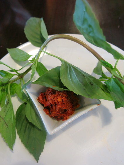 red curry paste_baipai cooking school_bangkok_thailand