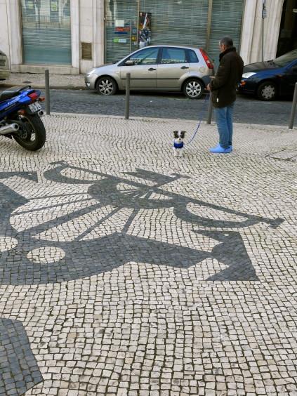ship w two ravens_lisboa_portugal