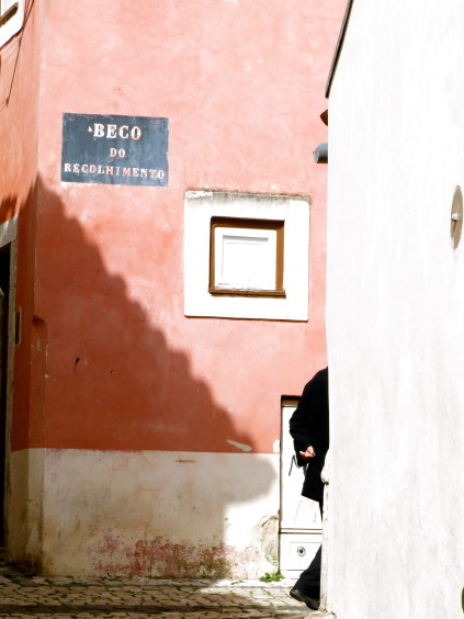 alfama_lisbon_portugal