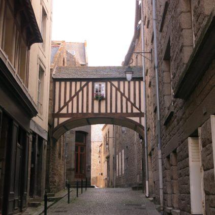 rue des ramparts_saint-malo_brittany_france